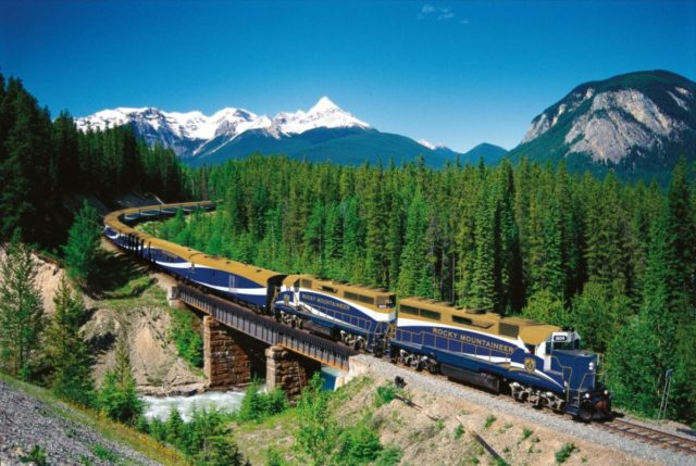 World's Greatest Train Journeys- Most Astonishing Train Rides in the World- Most Popular Train Rides- Most Luxurious Train Rides